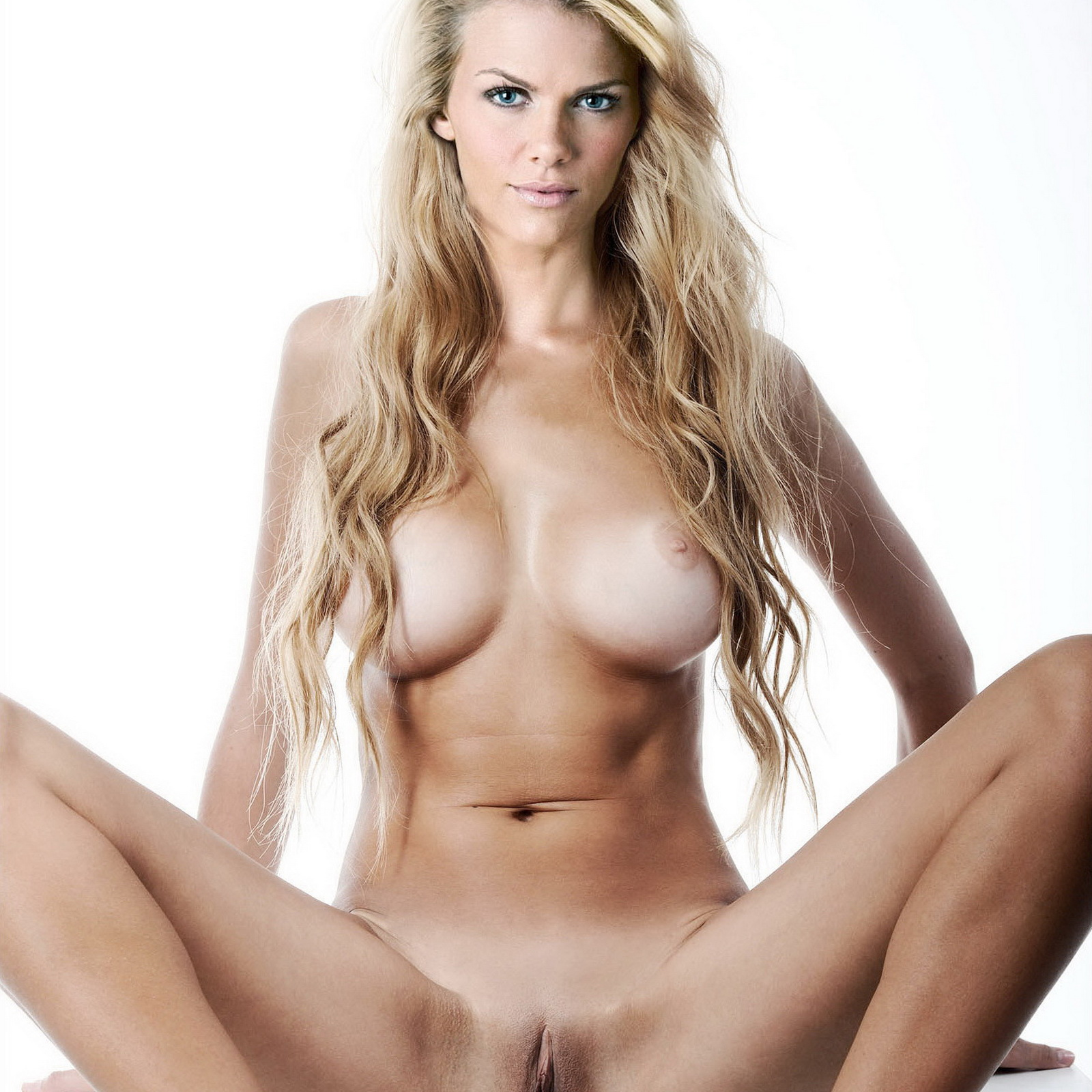 Nude pics of brooklyn decker